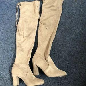 Thigh high boots 👢